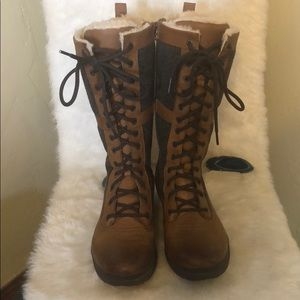 Ugg leather & wool boots 9.5 (1418)